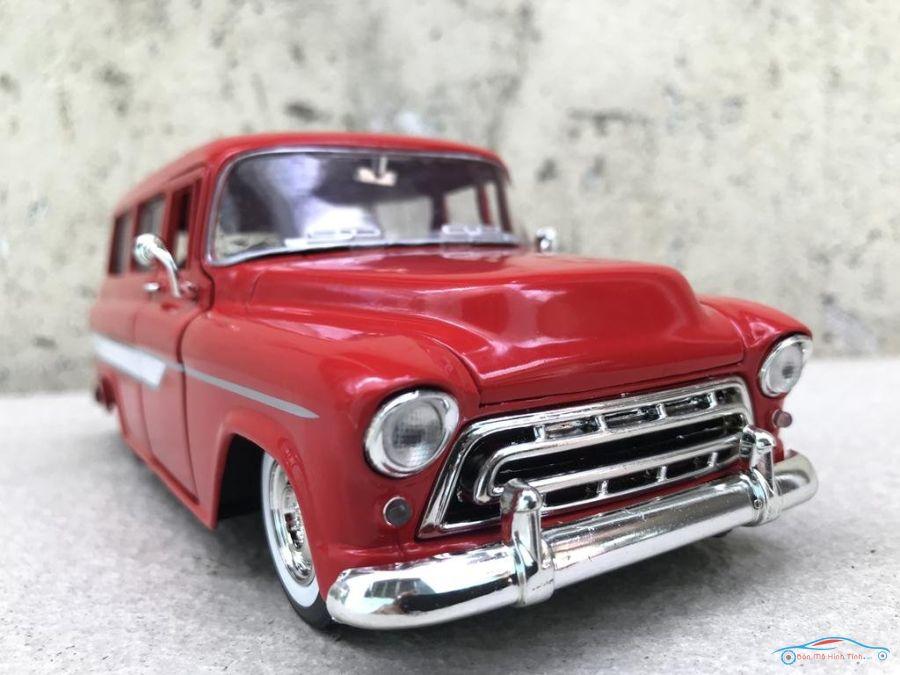 Mô hình xe cổ CHEVY SUBURBAN 1957 tỷ lệ 1:24