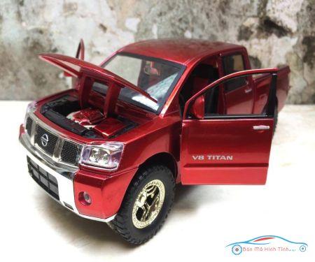 Mô hình xe ô tô Bán tải NISSAN V8 TITAN  tỷ lệ 1:24